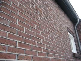 knipvoeg-kalk-cement_gevelrenovatie_nuenen_berbo-voegwerken-3